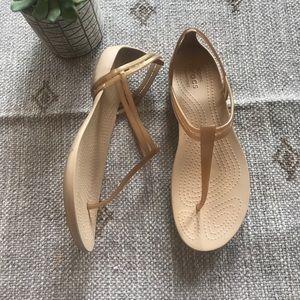 Crocs comfort Gold gladiator sandals size 9